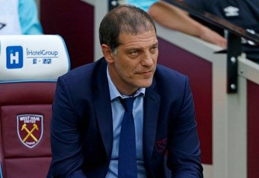 West Ham United's Croatian manager Slaven Bilic looks on ahead of the qualifying third round second leg Europa League football match between West Ham United and NK Domzale at the London Stadium in east London on August 4, 2016. West Ham are playing their first competitive match at their new home, the London 2012 Olympic Stadium, against Slovenia's NK Domzale in the third qualifying round of the Europa League. / AFP PHOTO / Ian KINGTON
