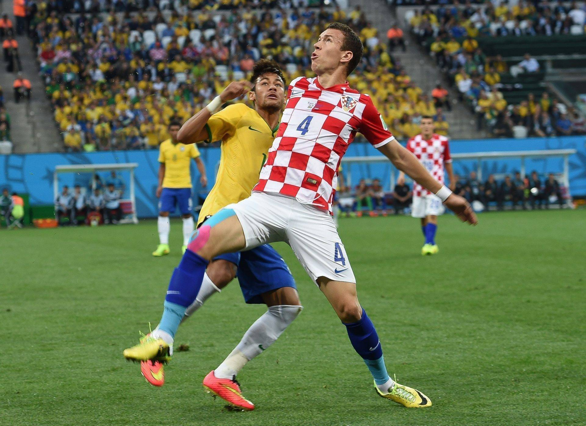 Brazil_and_Croatia_match_at_the_FIFA_World_Cup_2014-06-12_(09)