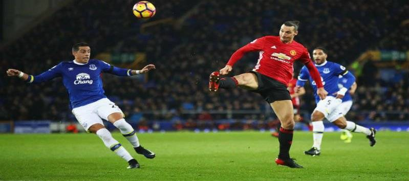 ibrahimovic-lob-vs-everton