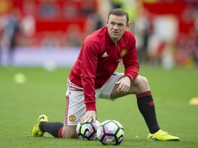 rooney-warm-up