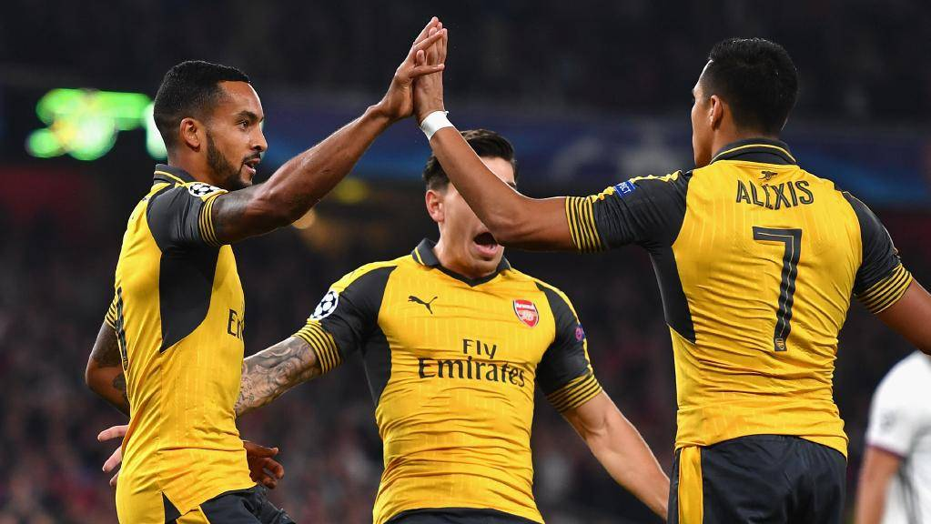 walcott-celebrates-basel-goal-september-2016